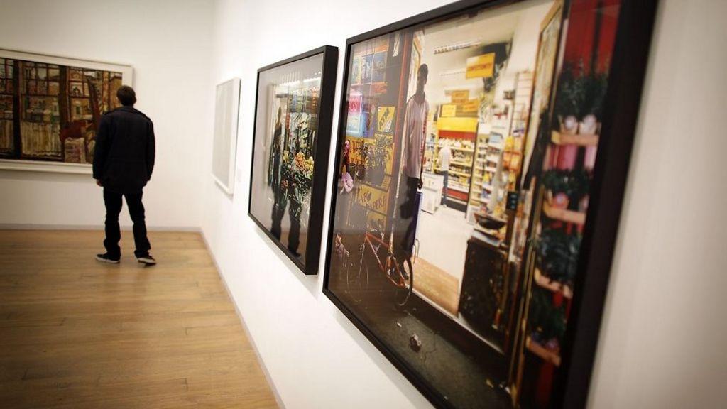 example art gallery report