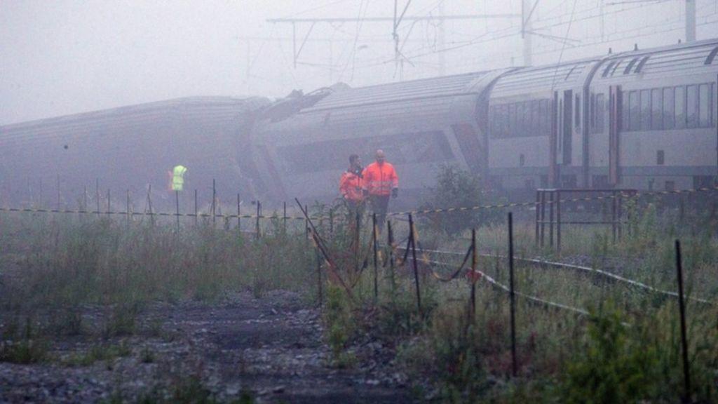 Derailed train near Hermalle-sous-Huy, Belgium