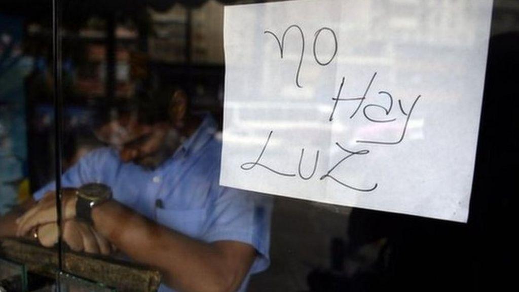 Venezuela shopping centres halve opening times as crisis bites ...