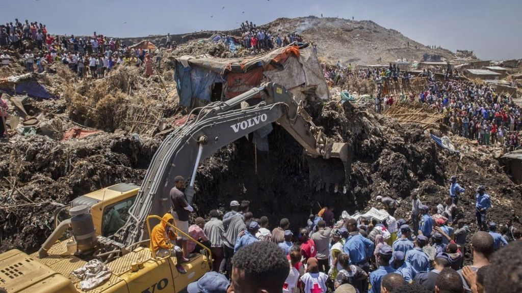 Ethiopia rubbish dump landslide: Search for survivors