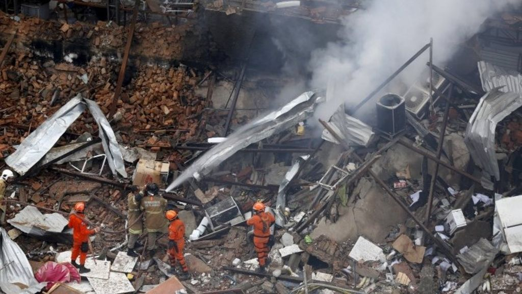 Rio de Janeiro buildings destroyed by suspected gas blast - BBC ...