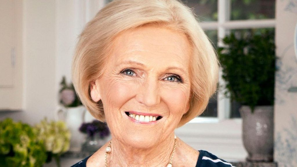 Mary berry joins us bake off special bbc news for Mary berry uk
