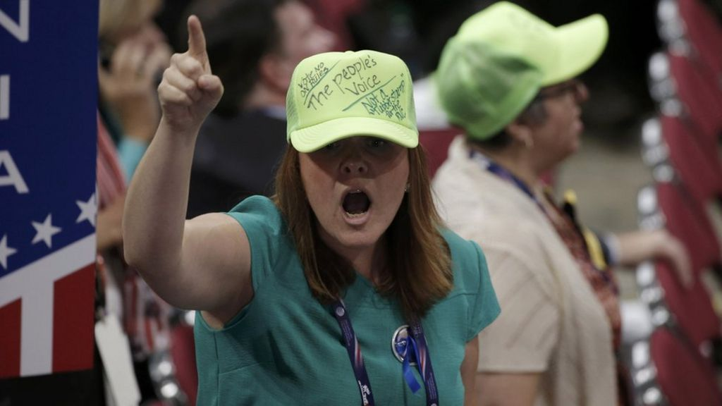 US election: Anti-Trump floor vote fails at convention