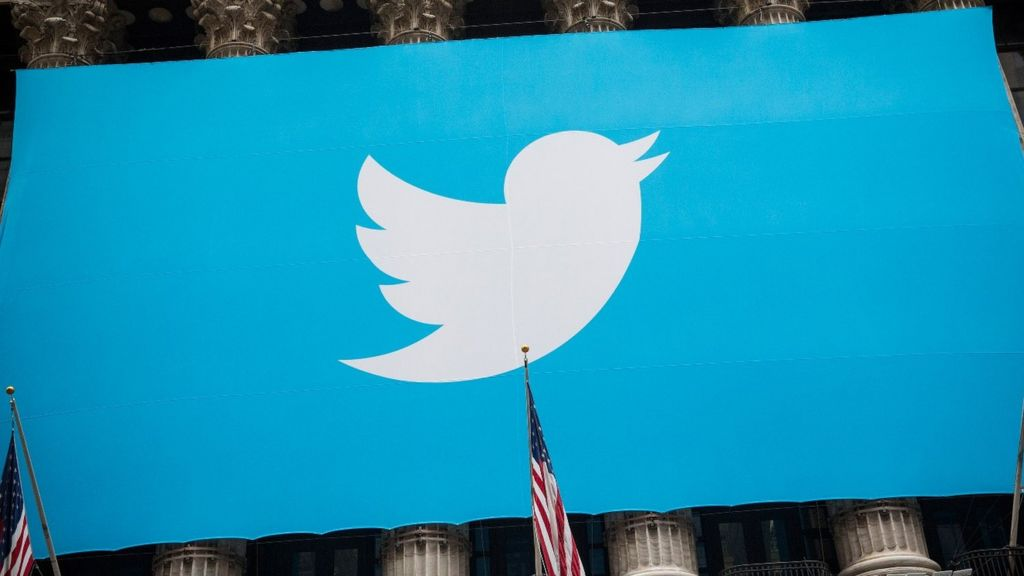 Twitter puts video ads and top tweets at start of timelines - BBC News