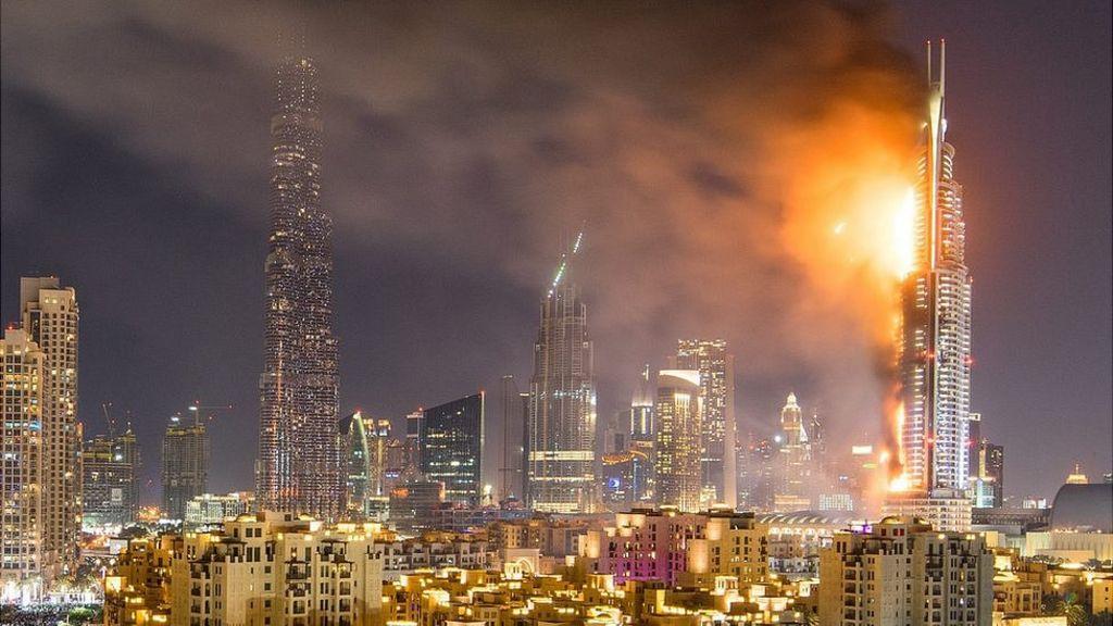 Fire engulfs Dubai hotel ahead of New Year celebrations - BBC News