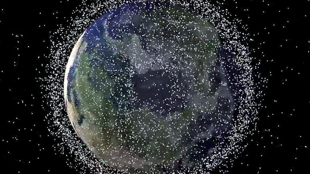 Aprende inglés: misión para limpiar la basura espacial