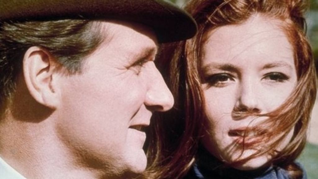 Co-stars pay tribute to Patrick Macnee - BBC News