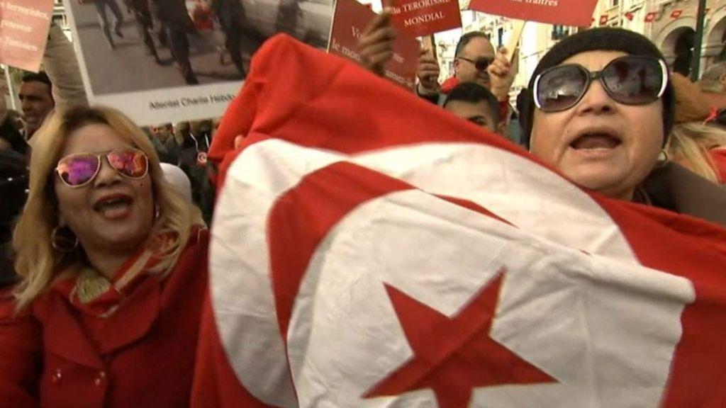 مظاهرات في تونس رفضا لعودة  الإرهابيين  - BBC Arabic