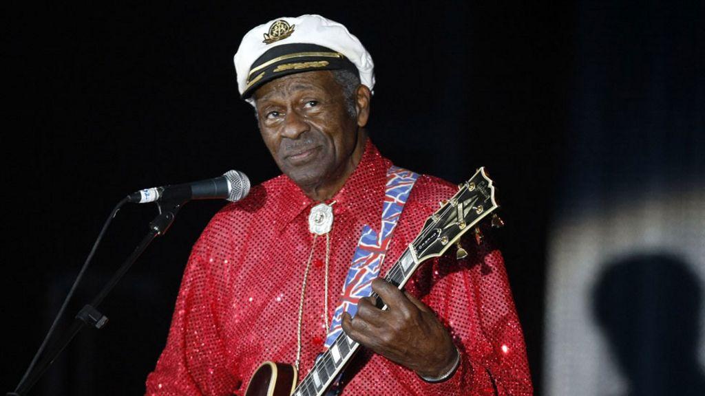 Rock and roll legend Chuck Berry dies - BBC News
