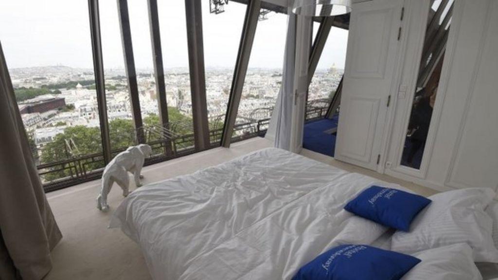 Euro 2016 inside luxury eiffel tower apartment bbc news for Apartment in eiffel tower