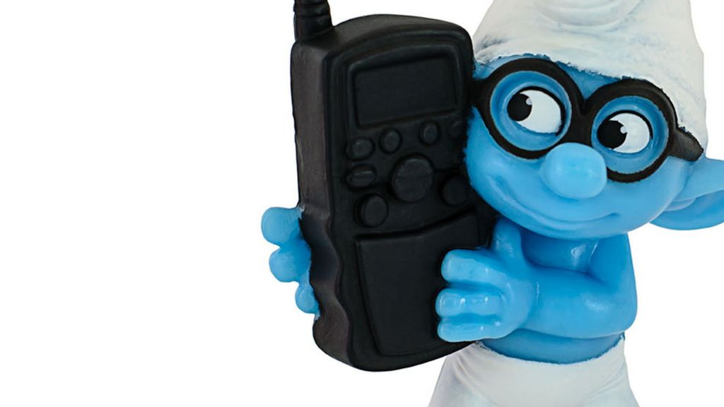 "Edward Snowden: ""Nosey Smurf was hacking codename"" - BBC News"
