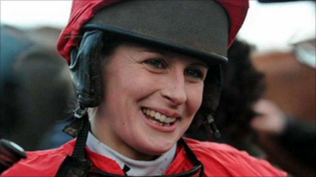 Fakenham fall jockey Isabel Tompsett shows improvement - BBC ...