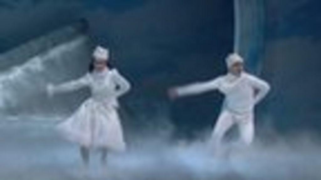 Matthew Bournes Nutcracker! - Dance of the Mirlitons