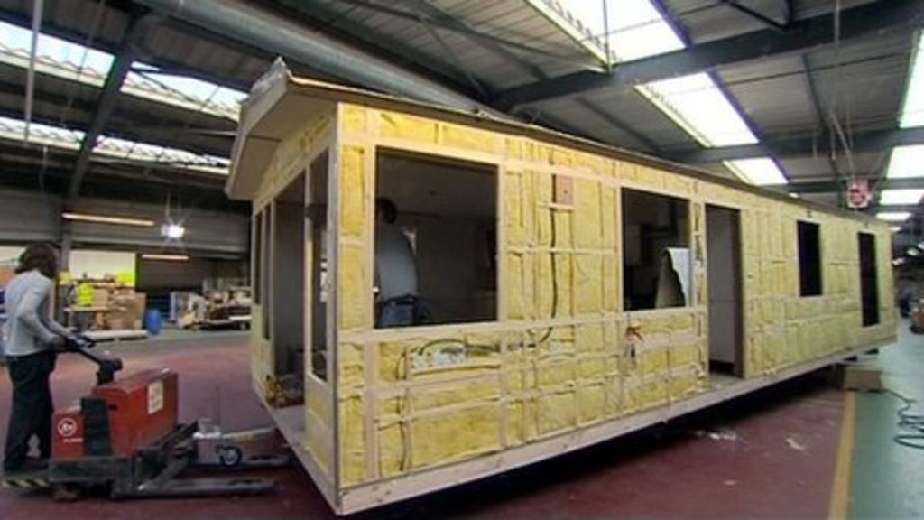 Hull caravan firm Willerby Holiday Homes cuts 193 jobs - BBC News