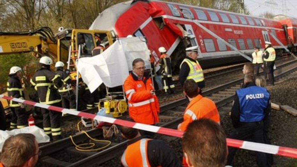 The crashed train near Offenbach, Germany (13 April 2012)