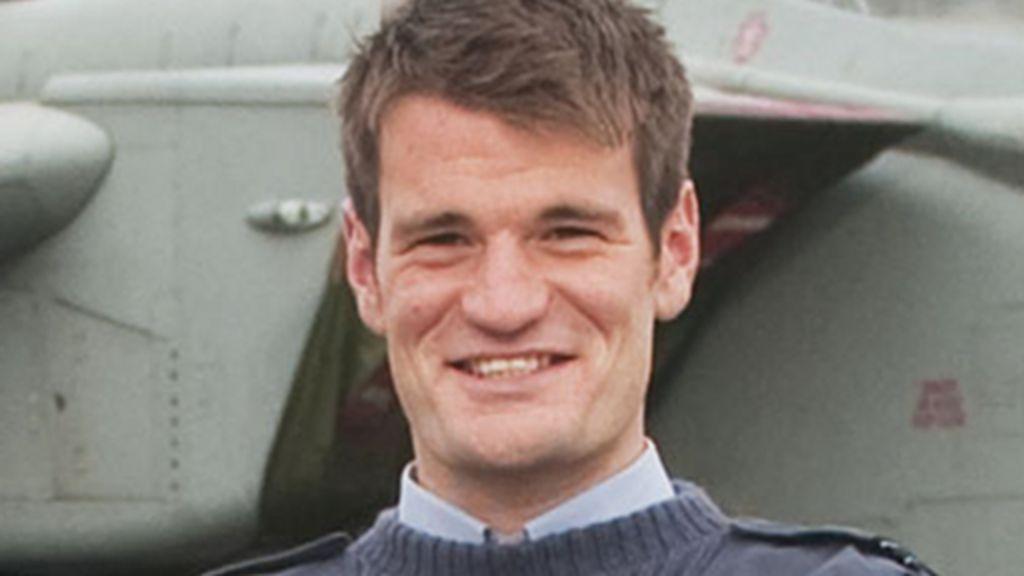 Tornado crash: Anglesey Flt Lt Hywel Poole tributes - BBC News
