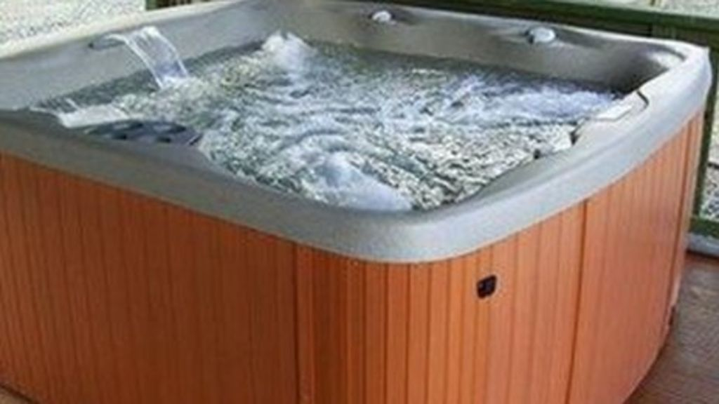 How hot tubs can harbour legionnaires 39 bacteria bbc news - Legionnaires disease swimming pool ...