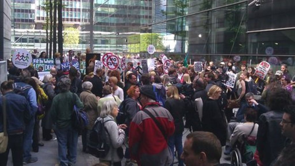 Atos protest: Disability rights groups target firm - BBC News