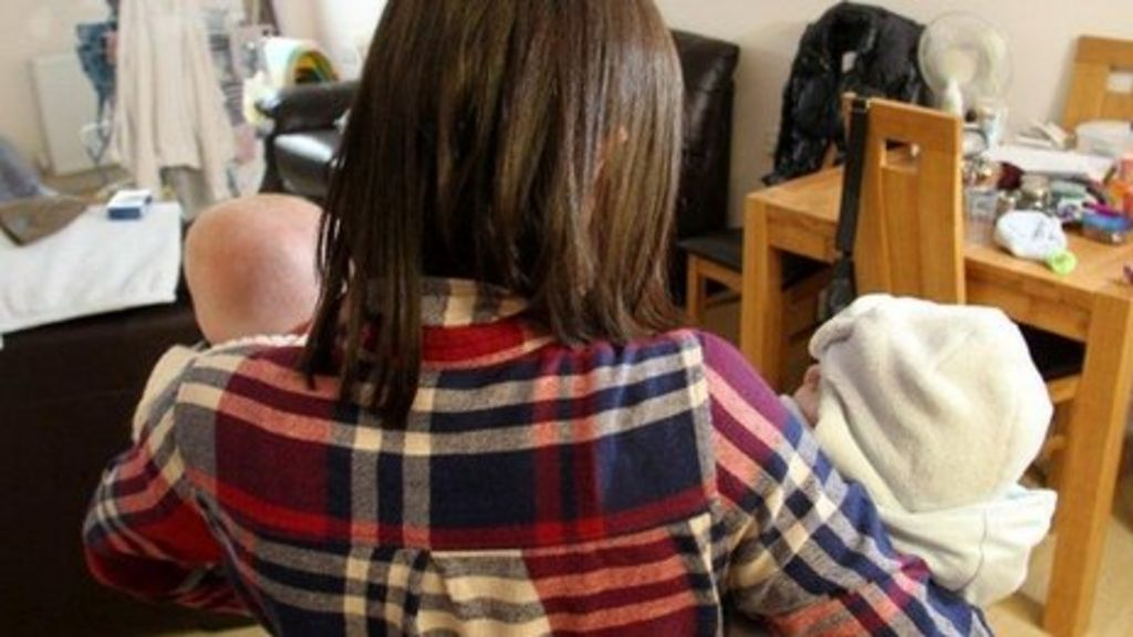 Rehab for drug addict mums - and kids - BBC News