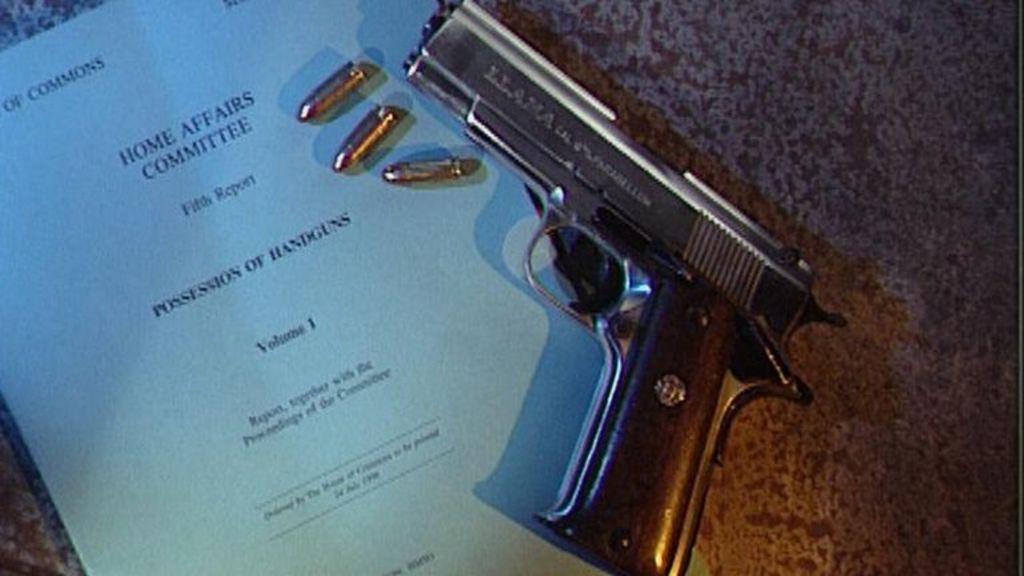 Plans to print a gun halted as 3D printer is seized - BBC News