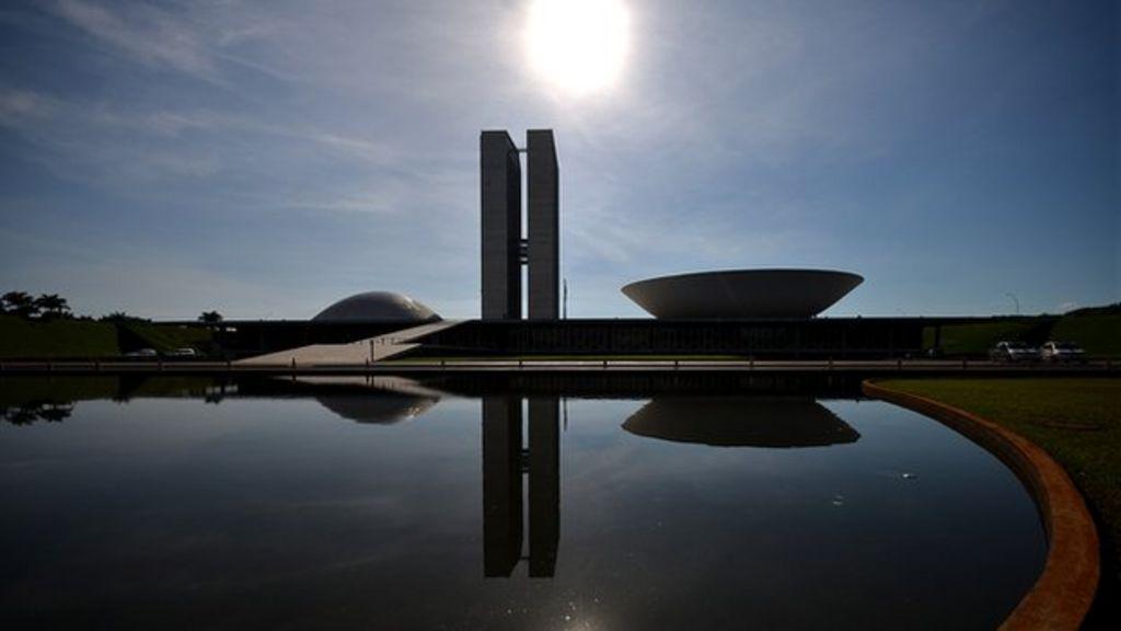 Niemeyer's Brasilia: Does it work as a city? - BBC News