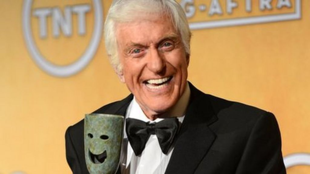 Dick Van Dyke sorry for atrocious cockney accent in Mary