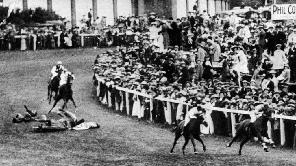 Epsom downs racecourse plaque for suffragette emily for 2b cuisine epsom downs