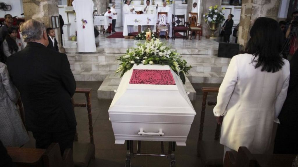 8 Mexico ' freak show' woman buried
