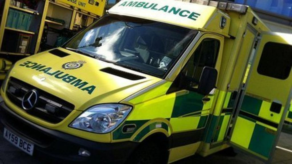 Paramedic: Ambulance delays 'causing harm and deaths' - BBC News