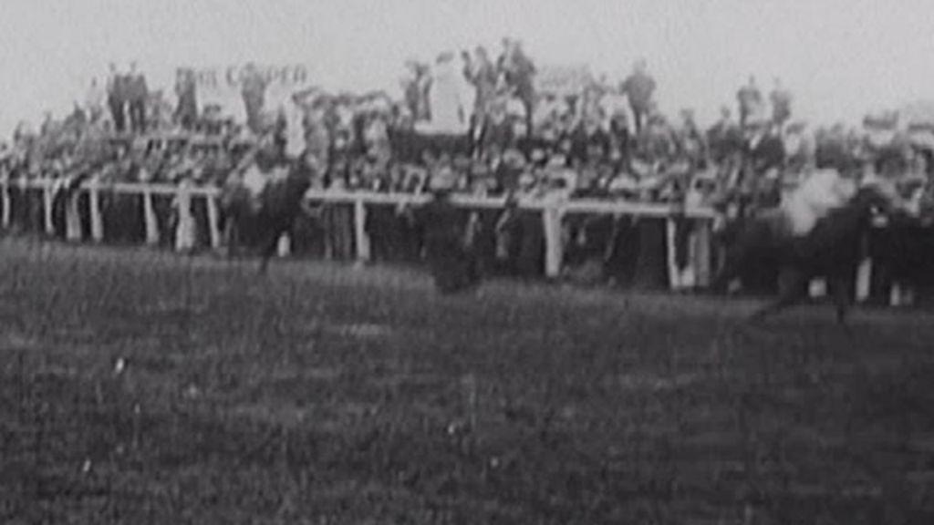Suffragette emily wilding davison exhibition opens bbc news for 2b cuisine epsom downs