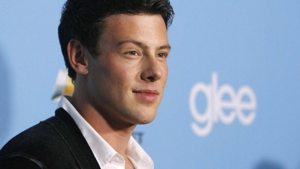 Body of Glee star Cory Monteith found in hotel room - BBC News