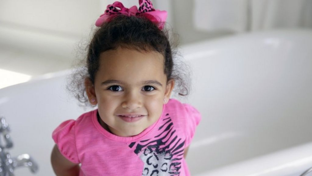 Cherokee girl Veronica is handed over to adoptive parents - BBC ...