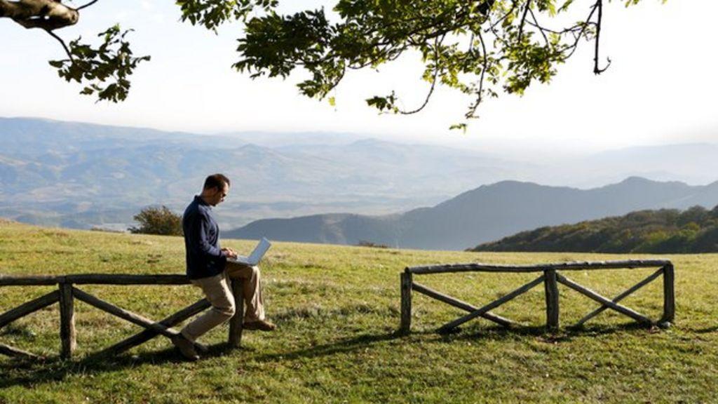Rural broadband - a 4G solution? - BBC News
