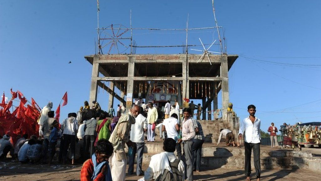 India S Ratangarh Temple Stampede Deaths Rise To 115 Bbc