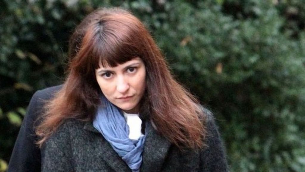 Saatchi 'gave PA card to buy whatever she wanted' - BBC News