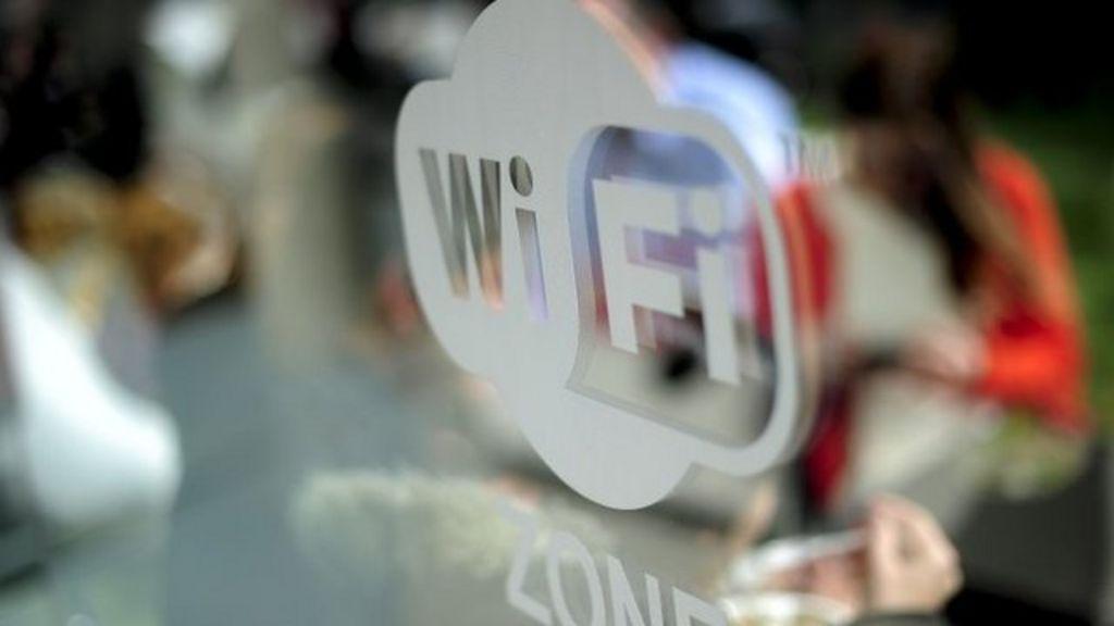 Wi-fi hotspots: Europol warn over data theft - BBC News