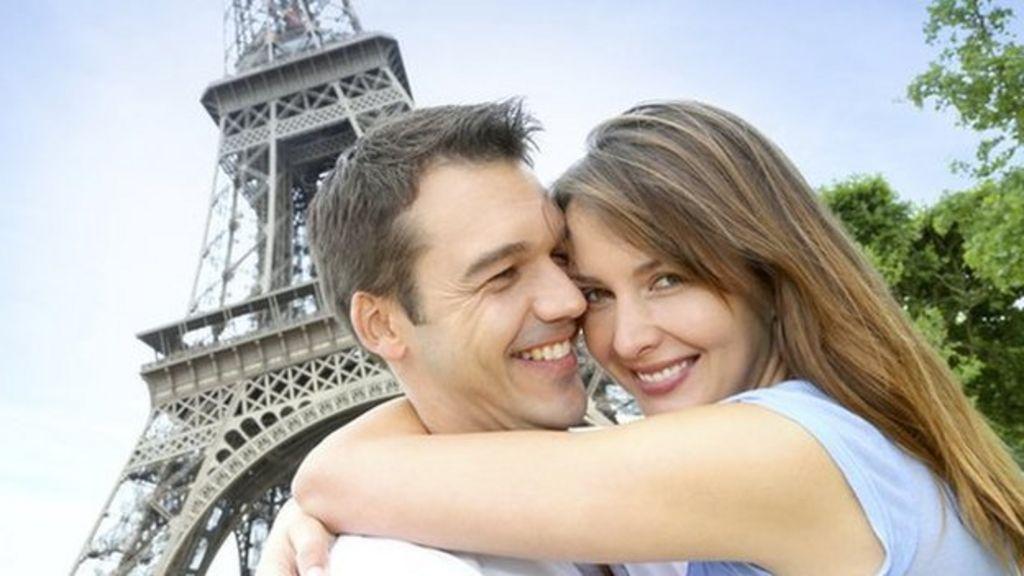 Is big data dating the key to long-lasting romance? - BBC News