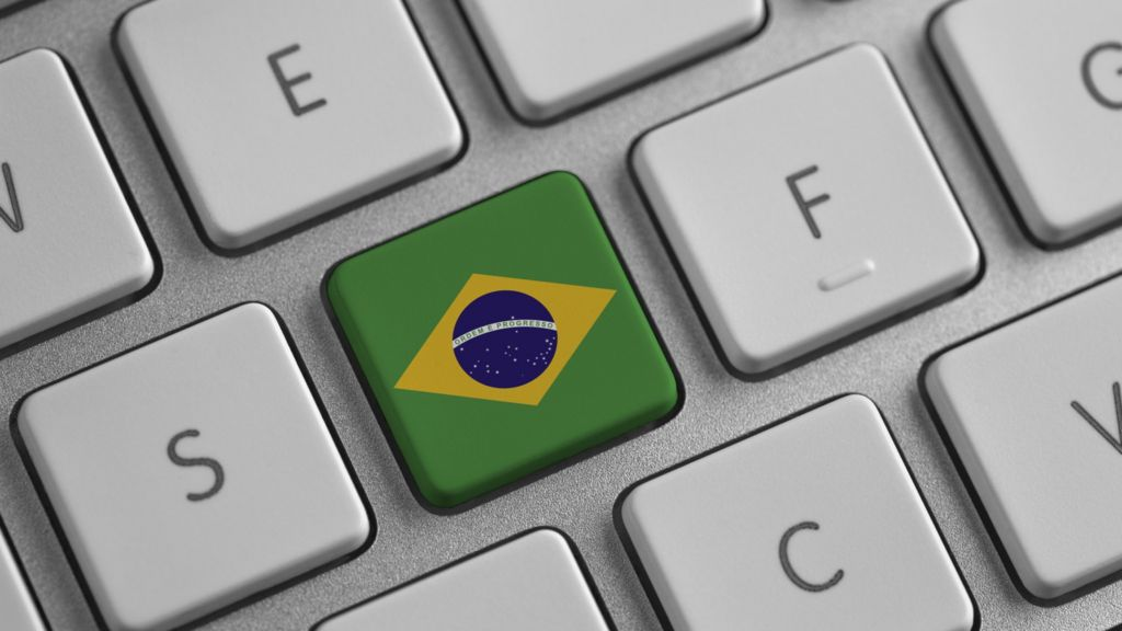 Brazil: Internet 'bill of rights' approved in key vote - BBC News