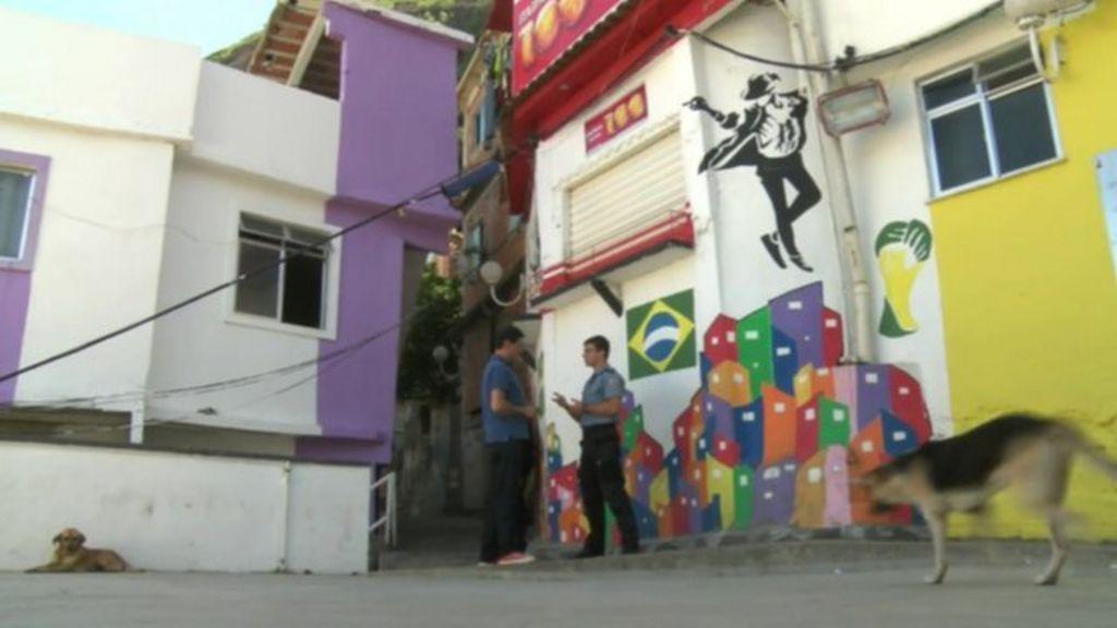 Rio de Janeiro favela 'safer than Copacabana beach' - BBC News