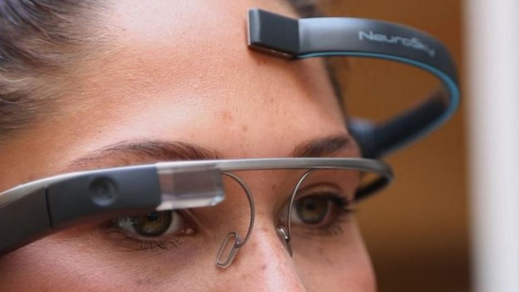 Brainwashing Device Google Glass hack allo...