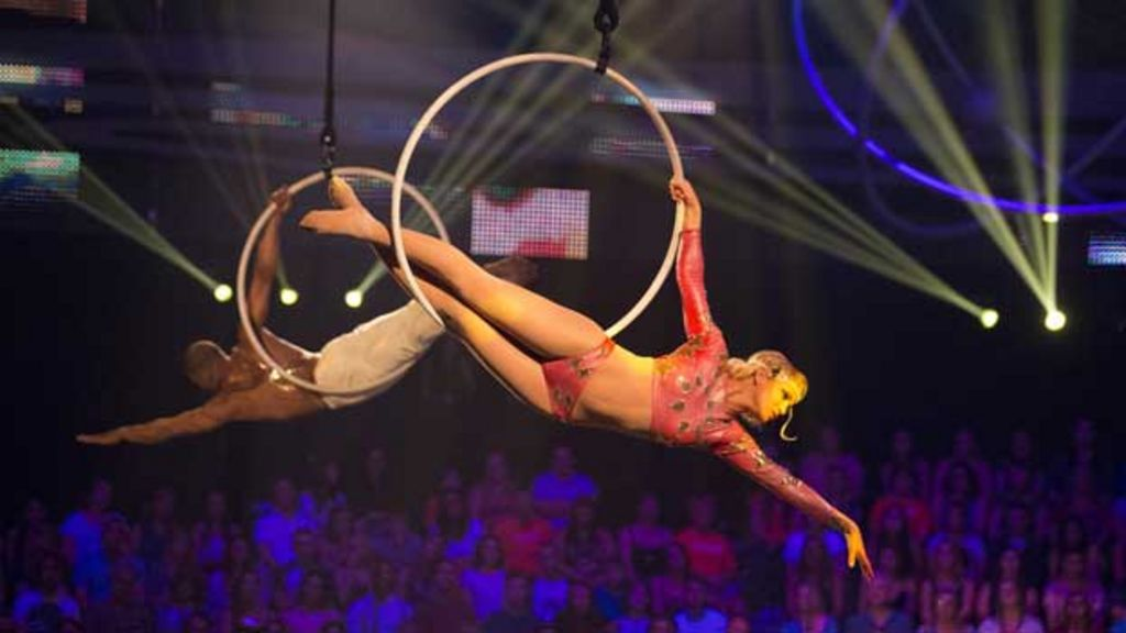 Mixed reviews for BBC One gymnastics show Tumble - BBC News