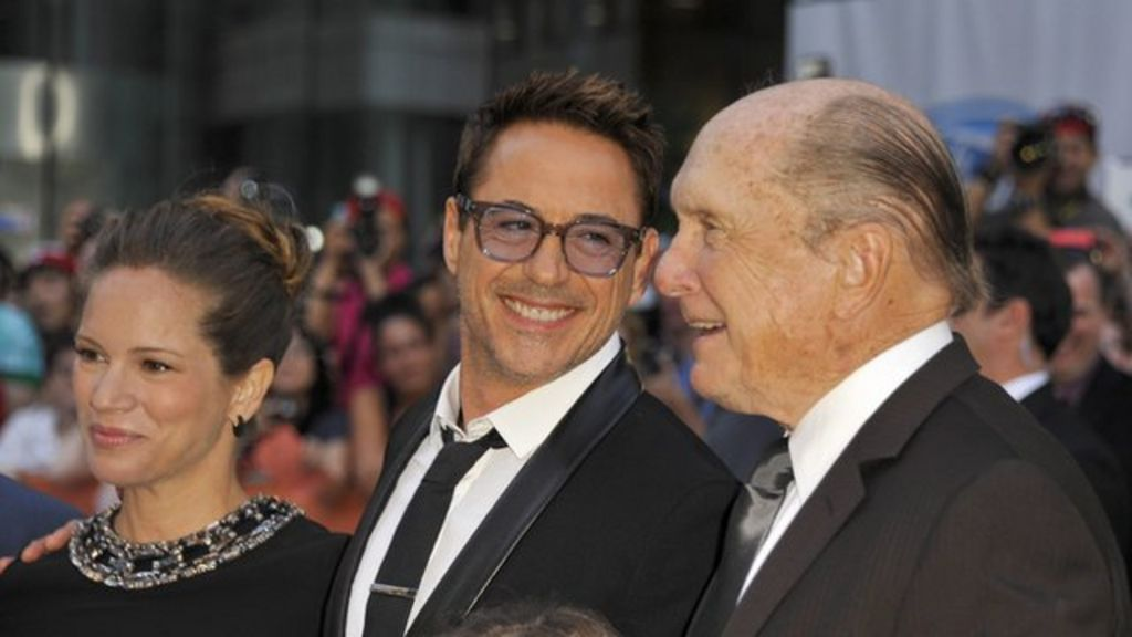 Toronto Film Festival opens with Robert Downey Jr film - BBC News