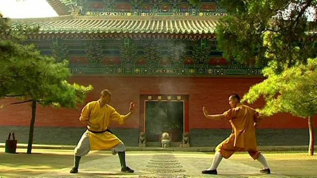 Ancient Shaolin temple seeks Kung Fu media masters - BBC News