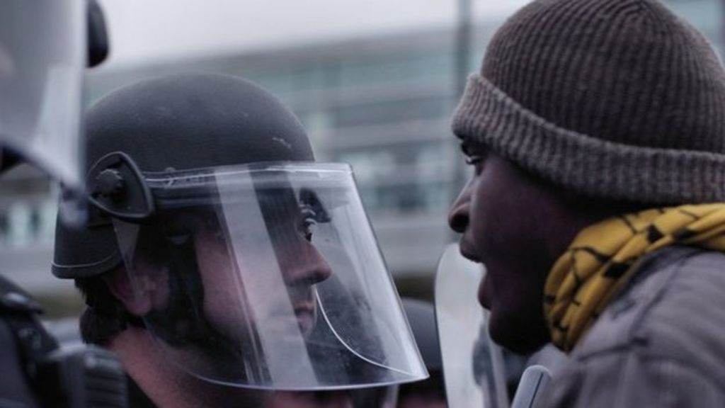 Freddie Gray: How Baltimore differs from Ferguson - BBC News