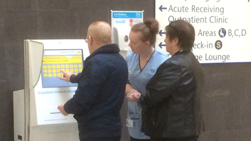 South Glasgow University Hospital welcomes first patients - BBC News