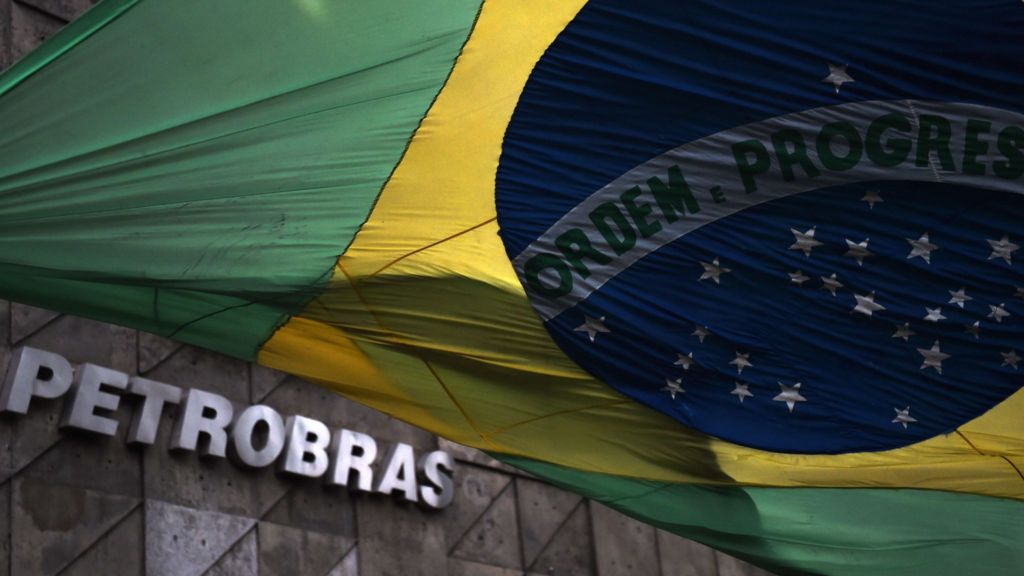 Petrobras ex-manager sentenced in corruption probe - BBC News