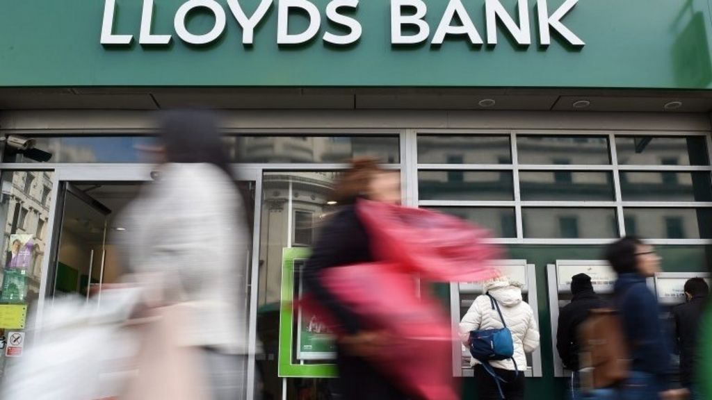 Lloyds hit by record £117m fine over PPI handling - BBC News