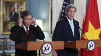 Dinh The Huynh and John Kerry press brief in Washington