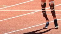 Atleta Paralímpico corriendo