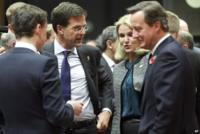 Dutch PM Mark Rutte (2nd L), with Helle Thorning-Schmidt of Denmark (2nd R) and David Cameron